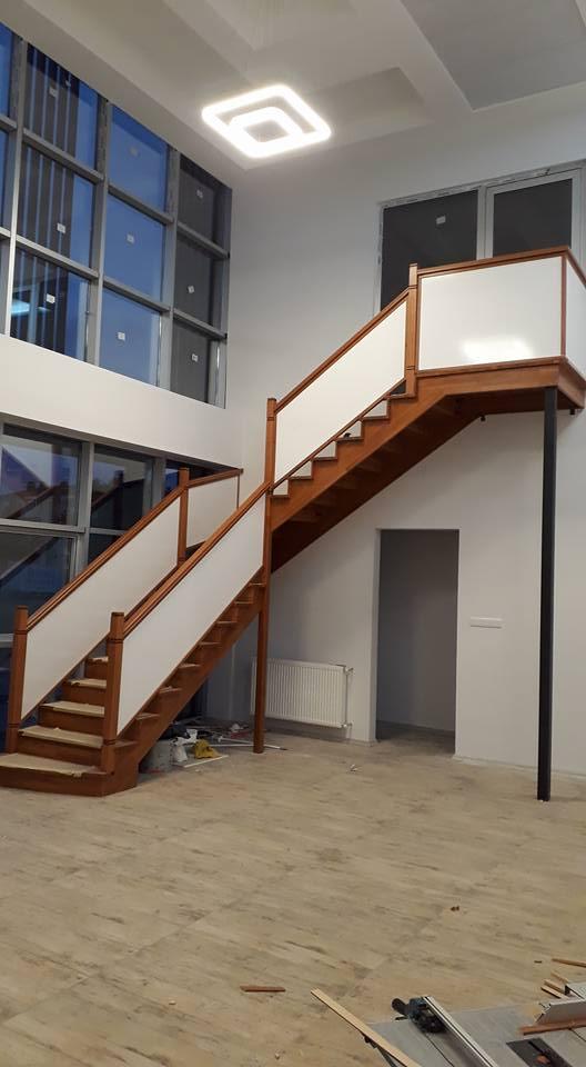 Ahşap Merdiven Ve Korkuluklar 1