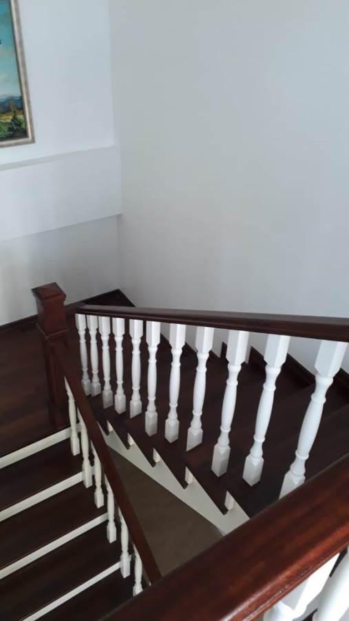 Sapelli Ahşap Merdiven